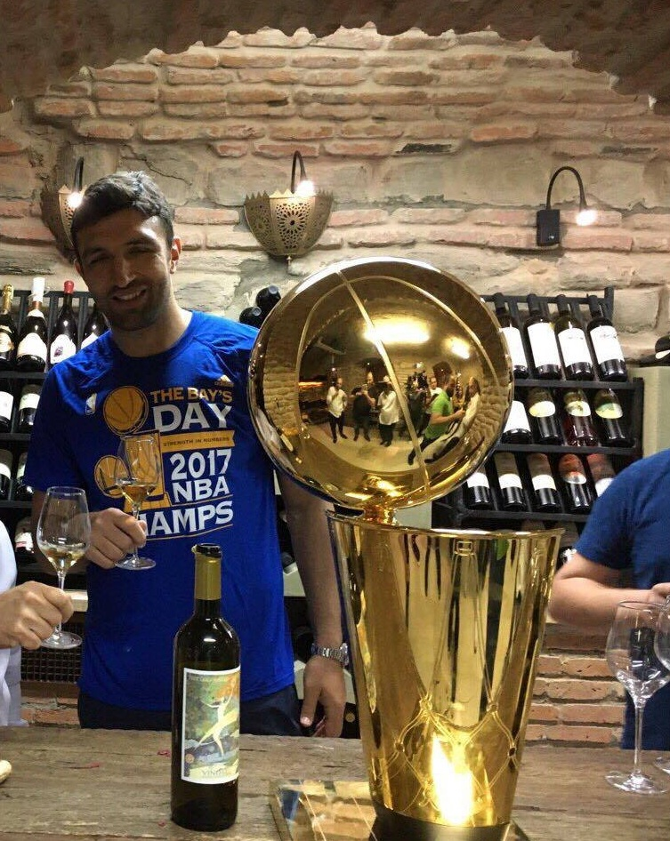 Zaza Pachulia & NBA Cup at  VINOTEL